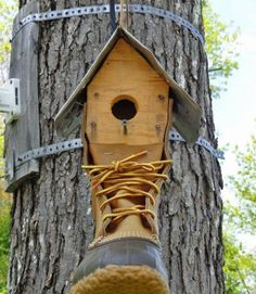 LLBean boot birdhouse - Wow! How warm would that be?!?!?!