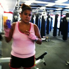 I went to the lenexa title boxing club today and I met Master Melvin! We went HAM!! We did beast mode all the way through !! My ass was handed to me double time. Thanks jasmine for inviting me!! I will be back!! DAY 31 Out OF 90 DAYS!!  I told my man today , that I want to look like a bag of money for him!! :0) ❤❤❤