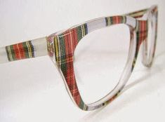 Vintage Plaid Nerd Eyeglasses or by on Etsy (tartan, houndstooth, check, gingham, plaid) Tartan Mode, Tartan Plaid, Tartan Decor, Tartan Dress, Style Anglais, Tartan Fashion, Four Eyes, Celtic, Eye Glasses