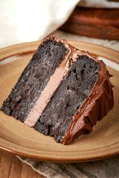 The BEST Keto Chocolate Zucchini Cake made with no sugar, no grains and no flour! Ultra moist, this low carb chocolate zucchini cake can easily be made vegan and flourless. Healthy Baking, Vegan Baking, Healthy Desserts, Delicious Desserts, Yummy Food, Paleo Vegan, Vegan Food, Köstliche Desserts, Low Carb Desserts