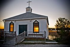 Originally home to the Pentecostal Holiness Church in nearby Georgetown, this quaint chapel did not arrive on Pawleys Island until the late 1940s, when it was dismantled and transported to the island. The chapel was carefully rebuilt by the Georgetown Laymen's Association and dedicated on June 6, 1948.