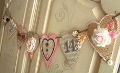40 Sweet Shabby Chic Valentine's Day Décor Ideas - DigsDigs Valentine Banner, My Funny Valentine, Valentine Day Love, Valentine Day Crafts, Vintage Valentines, Holiday Crafts, Heart Banner, Heart Garland, Menu Saint Valentin