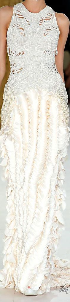 Alexander McQueen - The House of Beccaria Couture Mode, Couture Fashion, Beautiful Gowns, Beautiful Outfits, Alexandre Mcqueen, Wedding Fotos, Boho Vintage, Fashion Details, Fashion Design