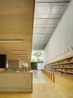 Vista del acceso. Biblioteca Pública de San Vicente. Fotografía © David Frutos.