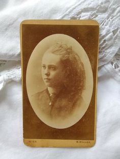 Beautiful Young Lady, Young Women, Long Hair Styles, Antiques, Cards, Ebay, Color, Carte De Visite, Antiquities