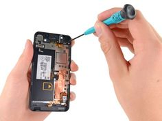 5d5bb9864ec9 BlackBerry Z10 Faces the iFixit Teardown