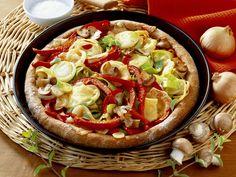 Vegetarische Pizza aus Vollkornteig - smarter - Zeit: 50 Min. | eatsmarter.de