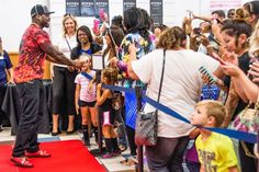 """Hundreds of soldiers and family members lined up for autographs and photos with Curtis """"50 Cent"""" Jackson on Friday. The line of more than 1,000 fans wound into the Clear Creek Main Exchange parking lot by the time Jackson arrived."""