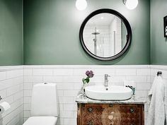 Scandinavian Bedroom Design Scandinavian style is one of the most popular styles of interior design. Bathroom Toilets, Bathroom Renos, Bathroom Wall, Bathroom Lighting, Bathroom Green, Scandinavian Interior Design, Home Interior, Bathroom Interior, Boutique Interior