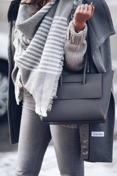 Grey on grey. Monochromatic winter look - Fashionably Kay