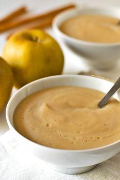 Natillas Veganas de Manzana |  2 manzanas, el zumo de medio limón, 4 cucharas de sirope de arce, 1 litro de leche de avena, vainilla, canela, y agar agar