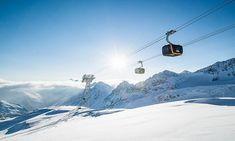 A hétvégi és hét eleji havazásoknak köszönhetően kezdetét veszi az idei síszezon a tiroli Stubai gleccser. A nyitónapon várhatóan remek síelős idő várja az odalátogatókat. Mount Everest, Mountains, Nature, Travel, Naturaleza, Viajes, Destinations, Traveling, Trips