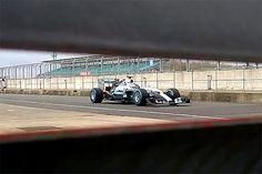 Formule 1 : La nouvelle Mercedes se montre furtivement
