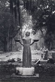 The Bird Girl ~ the statue which formerly marked the grave of Lucy Boyd Trosdal in Bonaventure Cemetery in Savannah. The family had to have the statue removed because of the famous book cover photo, & loaned it to the Telfair Museum of Art in Savannah for Cemetery Statues, Cemetery Art, Angel Statues, Buddha Statues, Cemetery Angels, Greek Statues, Most Haunted, Haunted Places, Haunted Houses