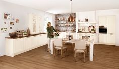 Küche Classica_5610-Esche-Repro-Magnolie-Lack