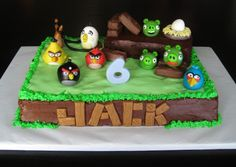 Angry Bird Cake Decorations - My sister would like this..