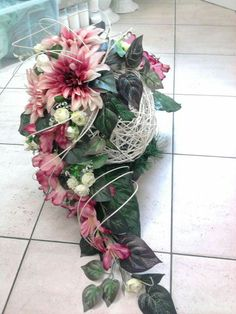 Christmas Flower Arrangements, Artificial Floral Arrangements, Funeral Flower Arrangements, Grave Flowers, Funeral Flowers, Grave Decorations, Flower Decorations, Flower Vases, Flower Pots