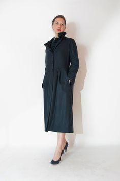 Soprabito blu/marrone pura lana T.42-44-46 Coat pure new wool blue /brown size M-L-XL Contact vestiredarte@gmail.com
