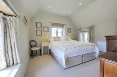 The master bedroom is light and inviting (can also be set up as a twin room)
