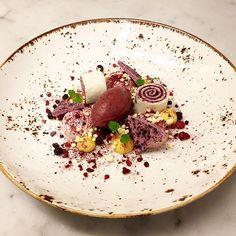 Blueberries, Raspberries, Browned Butter and Sesame #chefstalk#chef#cheflife#work#life#love#truechefs#truecooks#cookniche#gottskit#sweden#food#foodie#foodpics#gastroart#artofplating#dessertmasters#pastry#pastries#pastrychef#oldiebutgoldie