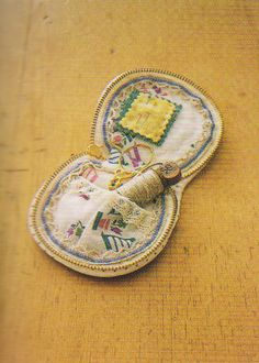 Needle book pocket Sewing box case Pdf Pattern Quilt Sewing Patchwork applique embroidery stitch diy gift women art via Etsy.