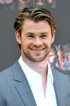 Chris Hemsworth - what a lovely smile! Top priority in a guy.