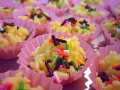 Yay! It's nearing Hari Raya Aidilfitri, and what better time to kick start the long awaited bake spree, when it's 2 weeks to raya? Heh heh. That's just an excuse. I just hope that…