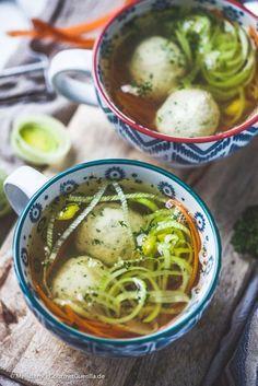 Klare Suppe mit Grießklößchen | GourmetGuerilla.de