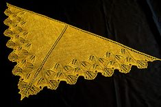 Ginkgo Shoulderette Shawl by Maggie Magali; free pattern on Ravelry