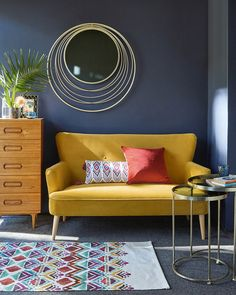 Inspiring Yellow Sofas To Perfect Living Room Color Schemes 23 - DecOMG Living Room Color Schemes, Living Room Designs, Living Room Sofa, Living Room Furniture, Rustic Furniture, Furniture Design, Outdoor Furniture, Black Furniture, Sofa Furniture