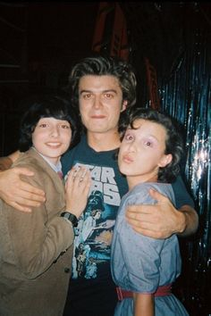 Things cast Didn't Think the Stranger Things Cast Could Get More Adorable? See Their Birthday Wishes For Joe Keery Didn& Think the Stranger Things Cast Could Get More Adorable? See Their Birthday Wishes For Joe Keery Stranger Things Aesthetic, Stranger Things Funny, Stranger Things Netflix, Stranger Things Jonathan, Stranger Things Season 3, Funny Things, Joe Keery, Animal Jokes, Film Serie