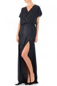 Geschikte jurk voor Aardbeien types (strawberry types) met brede schouders en prachtige benen. - Avril Jurk Black
