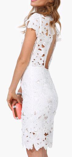 Vestido que pode ser utilizado em festas, simples e lindo!