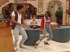 These Bizarre TV Crossovers Prove That Anything Is Possible In The World Of Television. Full House Tv Show, Jaleel White, Steve Urkel, Michelle Tanner, Uncle Jesse, Crossover Episodes, Kirk Cameron, John Stamos, Candace Cameron Bure