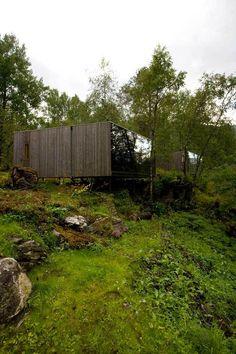 """Em uma região rural em Aurland, na Noruega, surgeuma ideia inovadora para a área hoteleira e vantajosa para os apreciadores da natureza. Nasce ali o primeiro experimentode hotel paisagístico (uma tradução literal de """"landscape hotel""""). A ideia consiste em fazer quartos de hotel em meio a natureza, fazendo com que o hóspede possa experimentar toda …"""