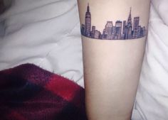 We all have that one city in which we leave our soul and love. In which we fall in love, in which we lose ourselves and to which we always return to when New York Tattoo, Nyc Tattoo, City Tattoo, Boston Tattoo, Dot Tattoos, Sleeve Tattoos, Great Tattoos, Small Tattoos, Nyc Skyline Tattoo