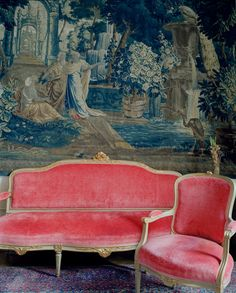 wonderful pink settee and arm chair and what a beautiful tapestry. French Decor, French Chic, French Style, Pink Velvet, Velvet Heart, Vintage Furniture, Vintage Settee, Pink Furniture, Antique Bench