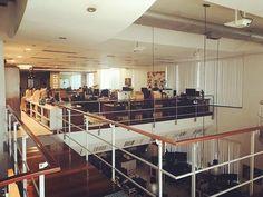 Um projeto bem bacana de reestruturação da rede Wi-fi utilizando uma das grandes marcas corporativas hoje do mercado @ruckuswirelesswifi em umas das maiores produtoras de animação 3D do Brasil. #clicksmart #vivaestemomento #lifestyle #ummundodepossibilidades #automacaodeambientes #automacaocorporativa #automacaoresidencial #projetosderedesWifi #projetosdehometheater #audioevideo #ambienteinteligente #iot #designinteriores #decoracao #arquitetos #arquitetas #designers #tecnologia #eficiência…