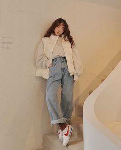 cute outfits to wear Korean Fashion Dress, Korean Fashion Winter, Korean Outfits, 80s Fashion, Look Fashion, Fashion Outfits, Fashion Trends, Classy Fashion, Asian Fashion Style