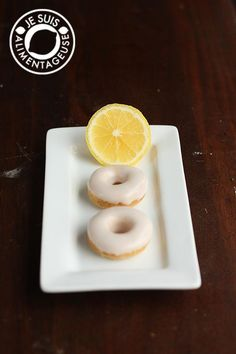 Fresh and light lemon donuts. Vegan and baked =)