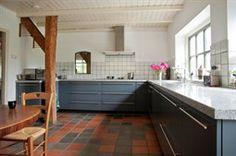 Blauwe keuken  in landhuis stijl