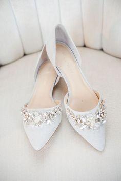 25 Gorgeous Embellished Wedding Shoes Ideas - Burgh Brides - Damen Hochzeitskleid and Schuhe! Prom Shoes, Shoes Heels, High Heels, Flat Shoes, Bride Shoes Flats, Nike Shoes, Dress Shoes, Best Bridal Shoes, Bridal Flats