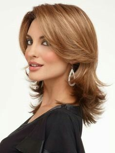 Find Rylee Wig (Mono Top) by Envy Wigs. Rylee offers contemporary styling in a fashion layered cut. Medium Length Wavy Hair, Mid Length Hair, Elegant Hairstyles, Easy Hairstyles, Layered Hairstyles, Casual Hairstyles, Choppy Hairstyles, Short Haircuts, Pretty Hairstyles