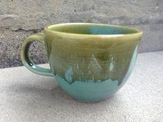 Mug en céramique turquoise et vert tasse en par ShadowSparkStudio