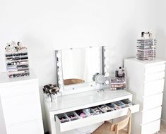 12 Genius Tricks of How to Upgrade IKEA Bedroom Vanity Sets As its name, when you obtain the bedroom furniture, you'll get some furniture, as it's called asset of bedroom. It will be benefit for you to choose t. Ikea Dressing Room, Dressing Table Decor, Ikea Malm Dressing Table, White Dressing Tables, Bedroom Dressing Tables, Dressing Table Inspiration, Ikea Vanity Table, Corner Dressing Table, Dressing Table Organisation