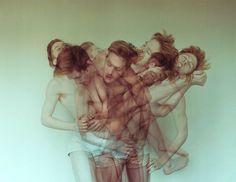 Tension: Nir Arieli captures the beauty and brutality of dance. Tensión: Nir Arieli captura la belleza y la brutalidad de la danza. www.culturainquieta.com #art #photography #dance #portrait