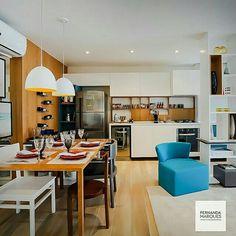 Inspiração ♡ #interiores #design #interiordesign #decor #decoração #decorlovers #archilovers #inspiration #ideias #integrado #sala #living #saladetv #hometheater #saladejantar #diningroom #cozinha #kitchen
