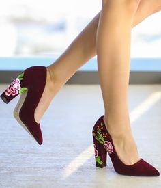 Pantofi catifea dama cu toc gros si broderie