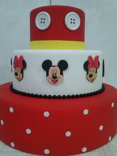 bolo fake minnie E Mickey #bolofakeminnie #bolominnie #festaminnie #minnie Bolo Fake Minnie, Coin Purse, Cake, Desserts, Food, Party, Tailgate Desserts, Deserts, Kuchen