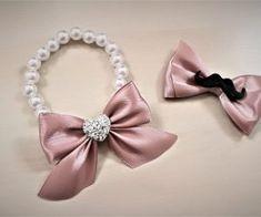 Reveri i narukvice - Merry weddings Hand Crafts, Diy And Crafts, Dina, Handmade Wedding Favours, Corsage Wedding, Rakhi, Fabric Jewelry, Handmade Flowers, Perfect Wedding